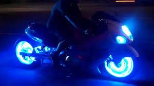¿Cómo instalar luces LED en m i moto?