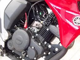 ¿Qué es mejor la moto con carburador o la moto fuel injection?